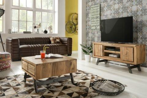 """EDGE –tuotesarja on valmistettu ammattitaidolla akaasia-puusta yhdistettynä metallirunkoisiin """"Factory Style"""" -metalliosiin"""